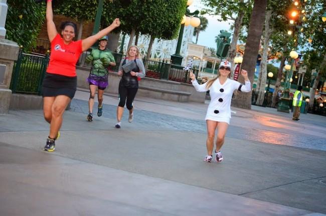 Maria running the Disney Social Media Moms fun run