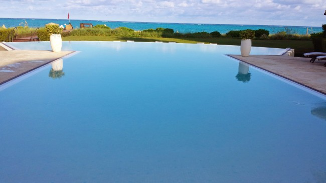 Infinity pool at Inspirato villa