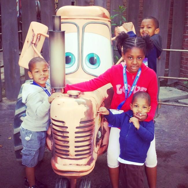 4 kids at Disney