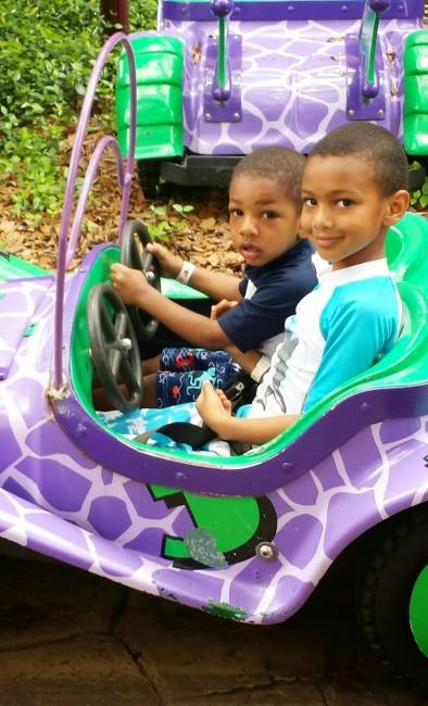 Busch_Gardens_rides