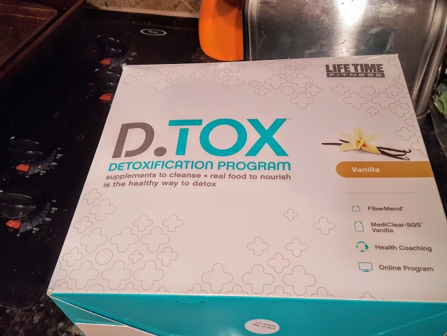 The Life Time D.TOX kit has everything you need to get started on a detox diet program.