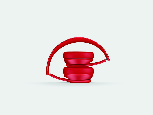 (Red) products are a great way to buy a gift that gives back.