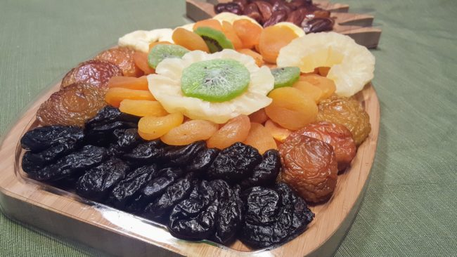 This dried fruit pineapple platter is one of the best gifts to buy for yourself and others will be happy too. This is one of my favorite gifts in this 2017 holiday gift guide.