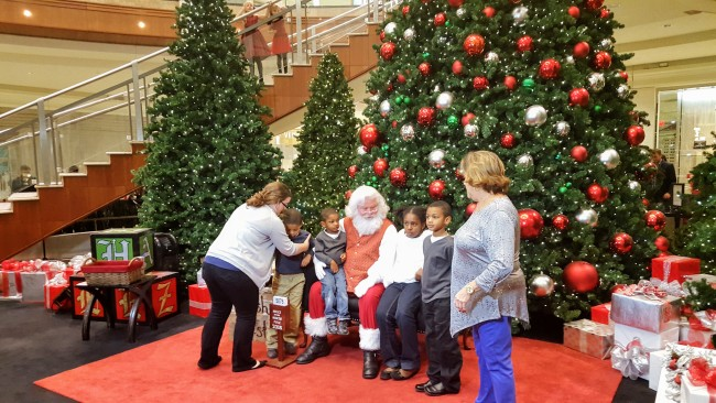 Santa Claus at Phipps Plaza is the real deal!