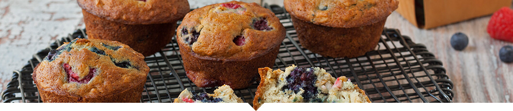 This very berry oat muffin recipe makes for an easy and healthy breakfast. Perfect for busy weekday mornings!
